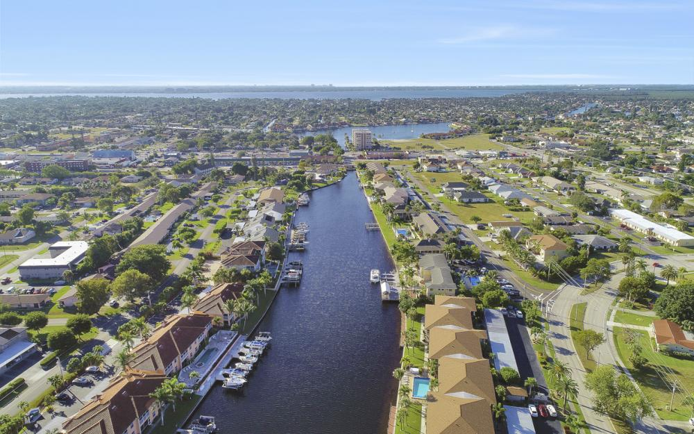 4525 Country Club Blvd #107, Cape Coral - Condo For Sale 1166934103