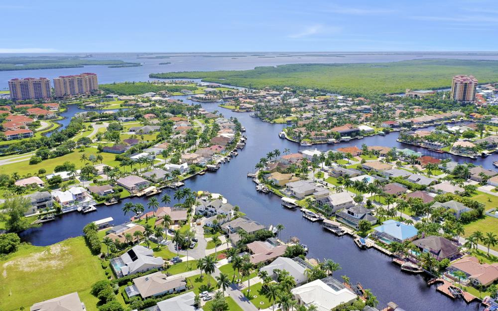 5606 SW 12th Pl, Cape Coral - Luxury Home For Sale 1481203638