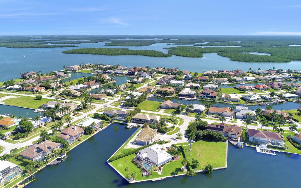 180 Coral Ct, Marco Island - Home For Sale 1832720699