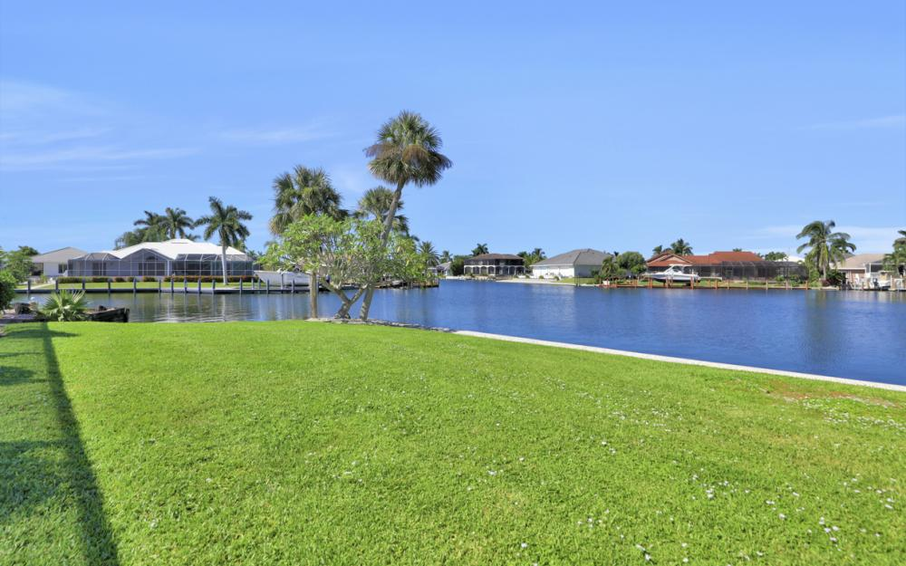 180 Coral Ct, Marco Island - Home For Sale 78825793