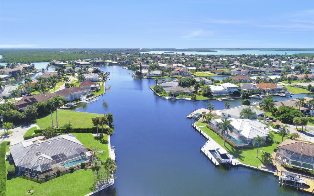 180 Coral Ct, Marco Island - Home For Sale 134881236