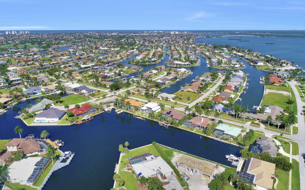 180 Coral Ct, Marco Island - Home For Sale 322075091