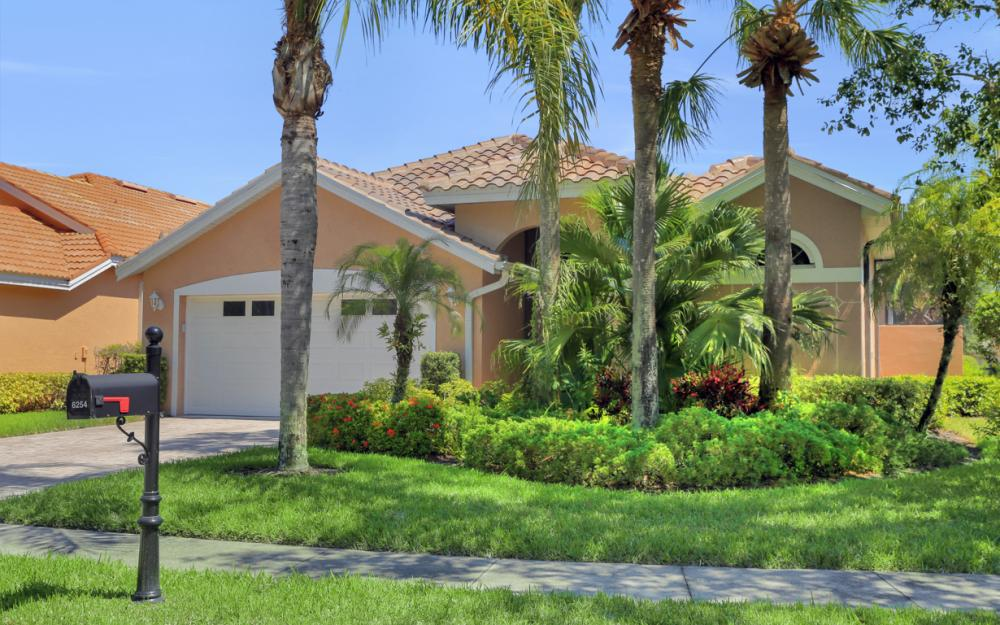6254 Ashwood Ln, Naples - Home For Sale 819041168