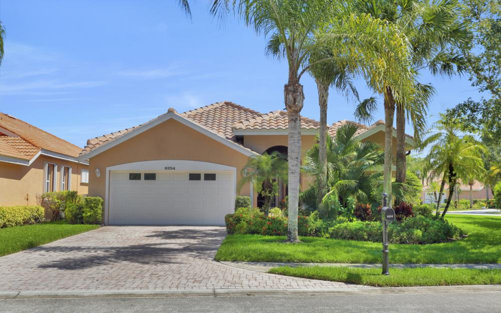 6254 Ashwood Ln, Naples - Home For Sale 857620025