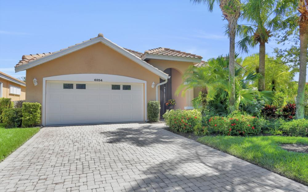 6254 Ashwood Ln, Naples - Home For Sale 496633256