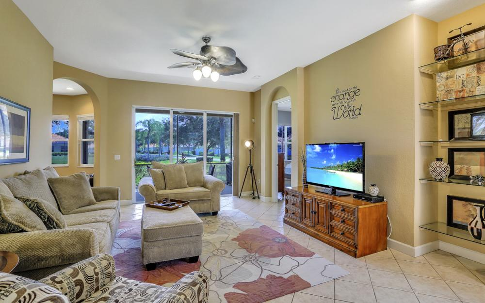 6254 Ashwood Ln, Naples - Home For Sale 70254524