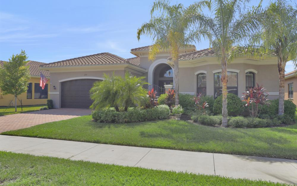 2749 Crystal Way, Naples - Home For Sale 311285486
