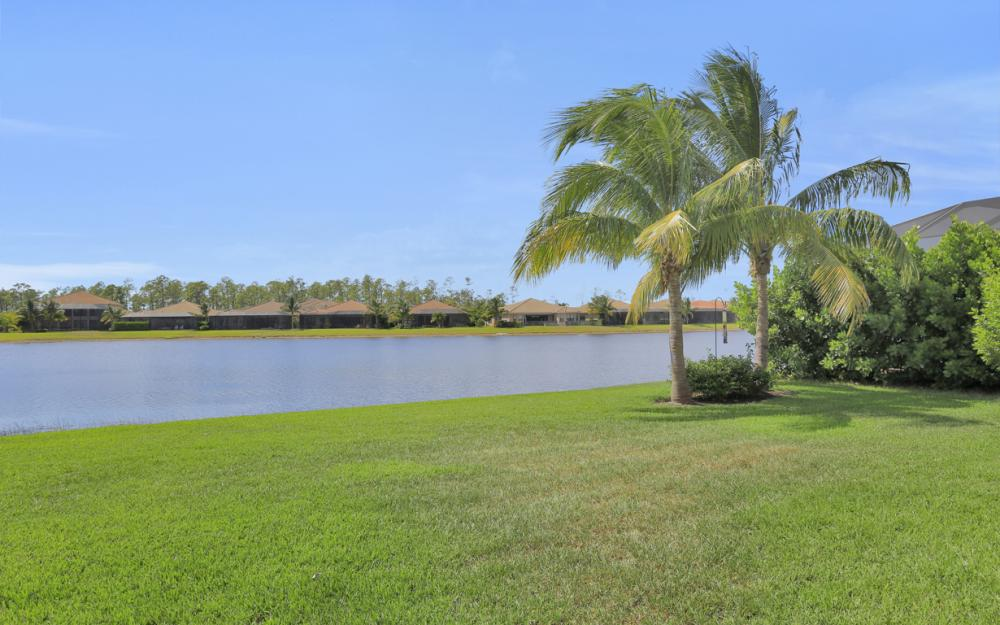 2749 Crystal Way, Naples - Home For Sale 1900274295
