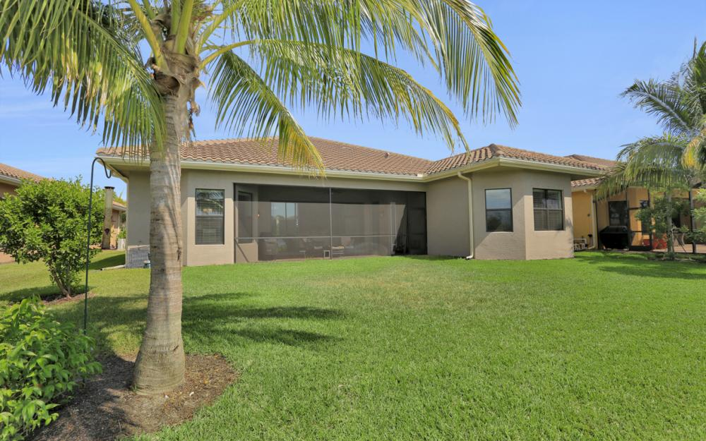 2749 Crystal Way, Naples - Home For Sale 2013599333