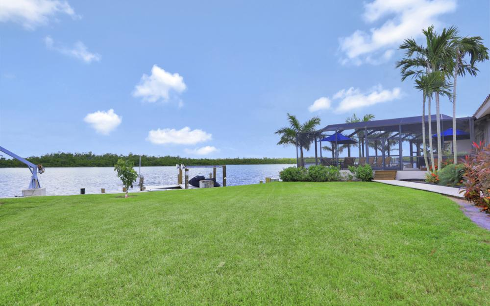 125 Stillwater Ct, Marco Island - Home For Sale 40276524