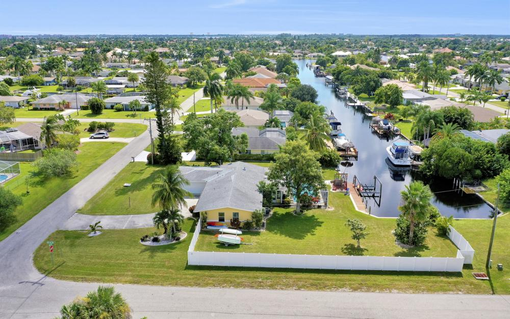 4814 SW 1st Ct, Cape Coral - Home For Sale 243215402