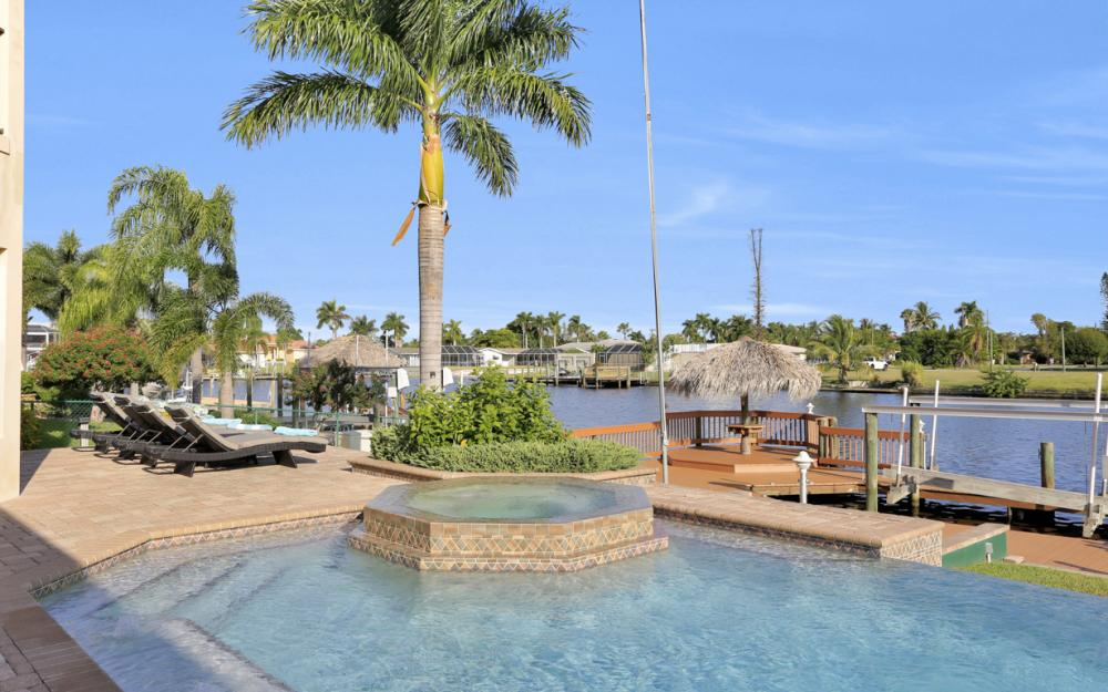 421 Bayshore Dr, Cape Coral - Vacation Rental 1821128760
