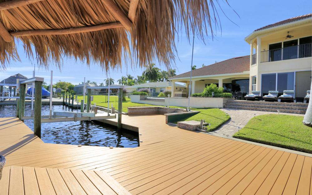 421 Bayshore Dr, Cape Coral - Vacation Rental 376882467