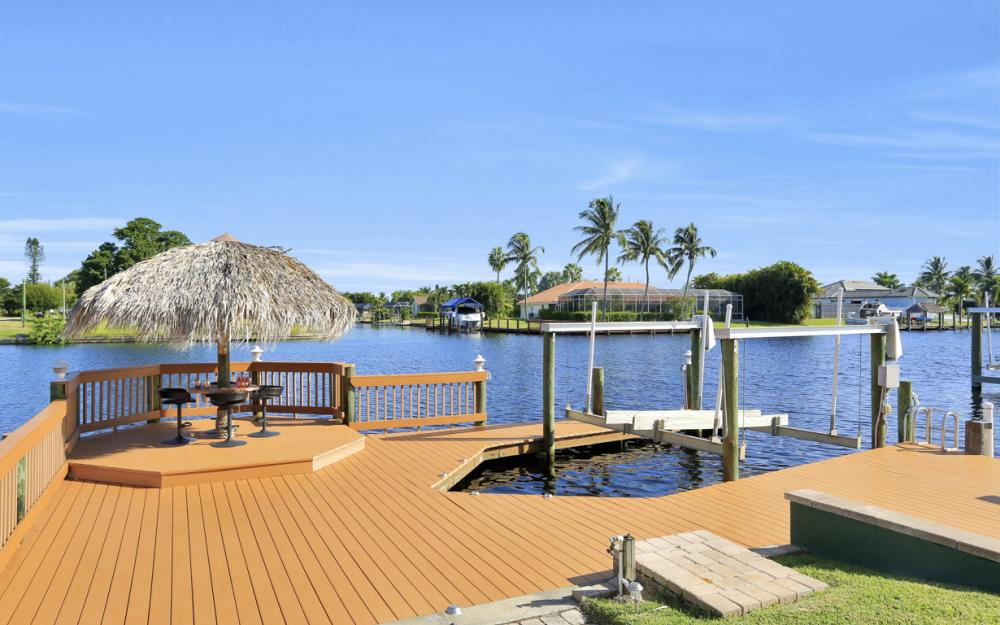 421 Bayshore Dr, Cape Coral - Vacation Rental 1635244343