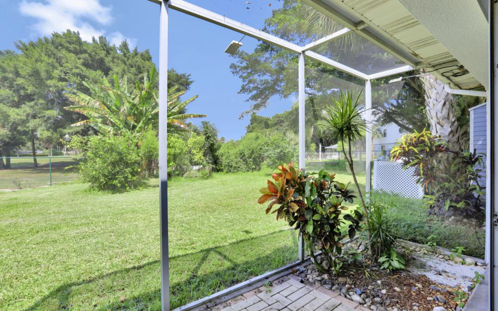 1670 Saint Clair Ave, N Fort Myers - Home For Sale 1019985442