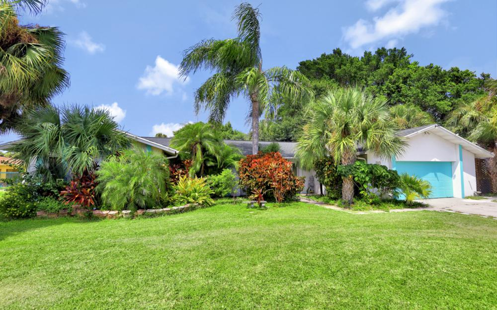 1670 Saint Clair Ave, N Fort Myers - Home For Sale 67366387