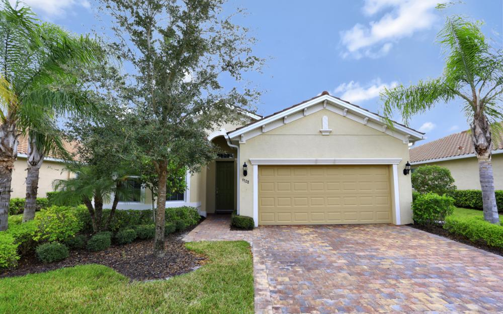 9328 Fieldstone Ln, Naples - Home For Sale 848118462