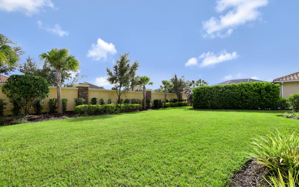 9328 Fieldstone Ln, Naples - Home For Sale 668137644
