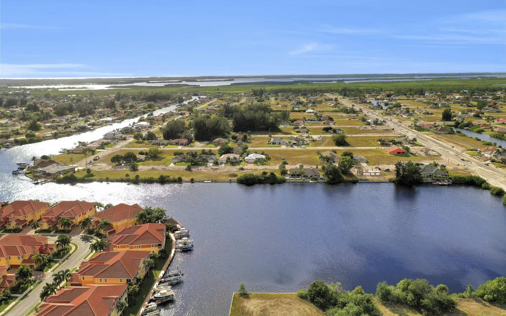 117 SW 33rd Ave, Cape Coral - Lot For Sale 2070174148