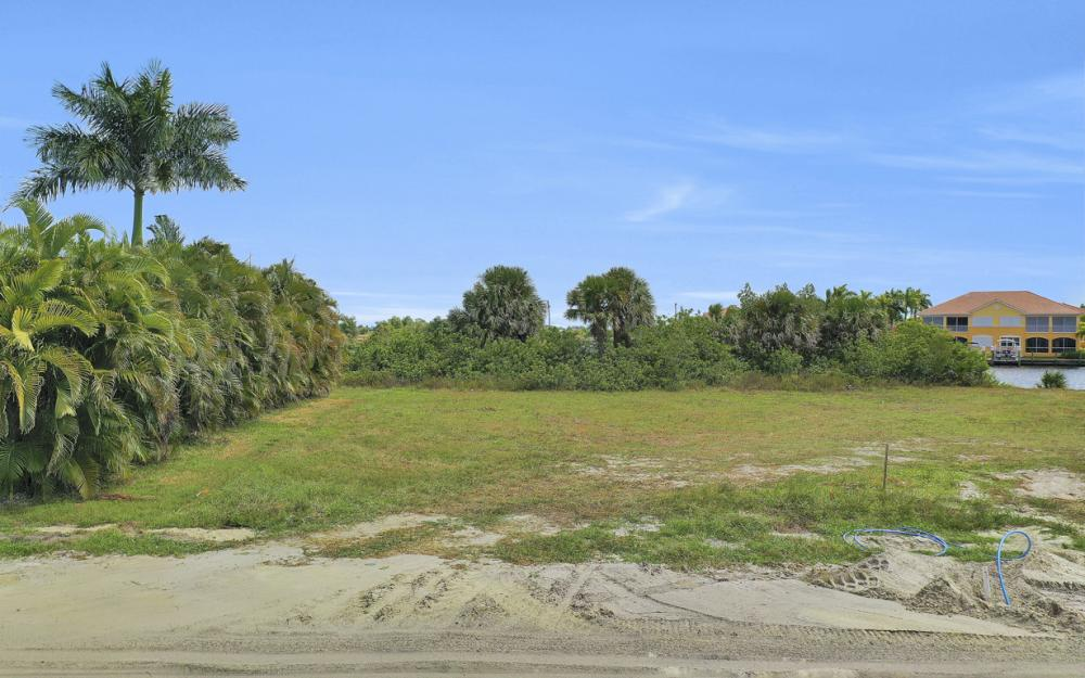 117 SW 33rd Ave, Cape Coral - Lot For Sale 190201810