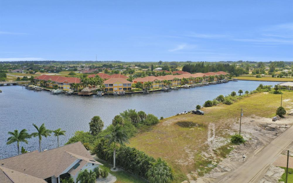 117 SW 33rd Ave, Cape Coral - Lot For Sale 1973624375