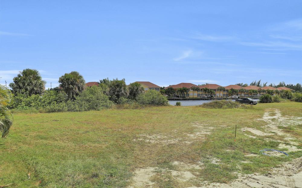 117 SW 33rd Ave, Cape Coral - Lot For Sale 467913265