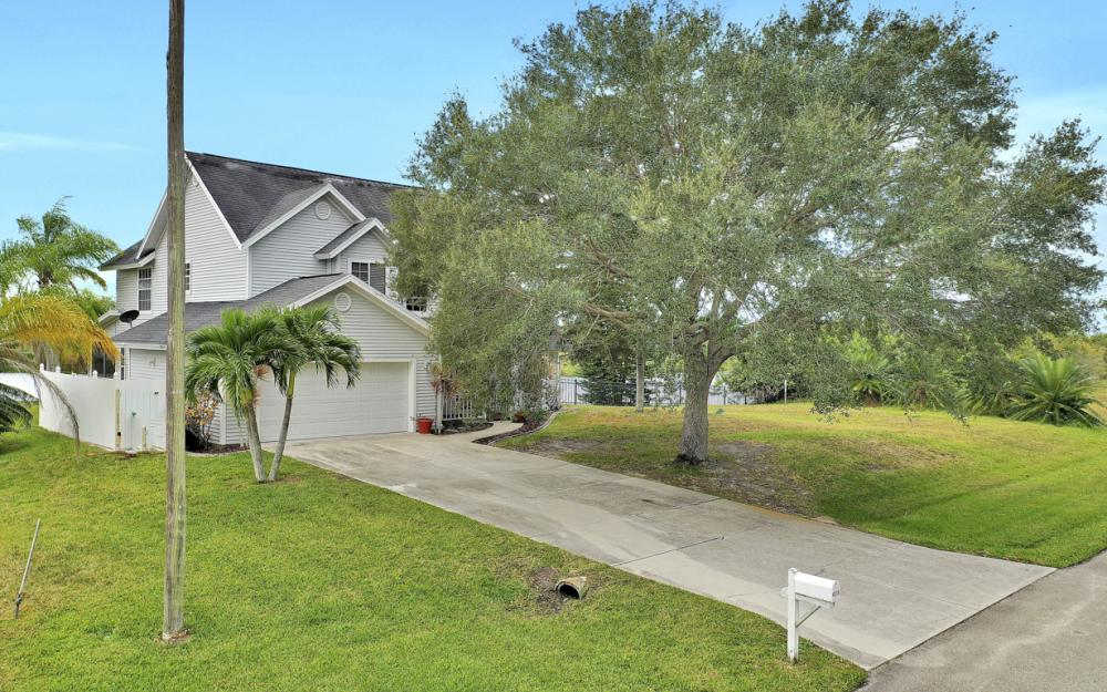 4216 NW 20th St, Cape Coral - Home For Sale 1942322063