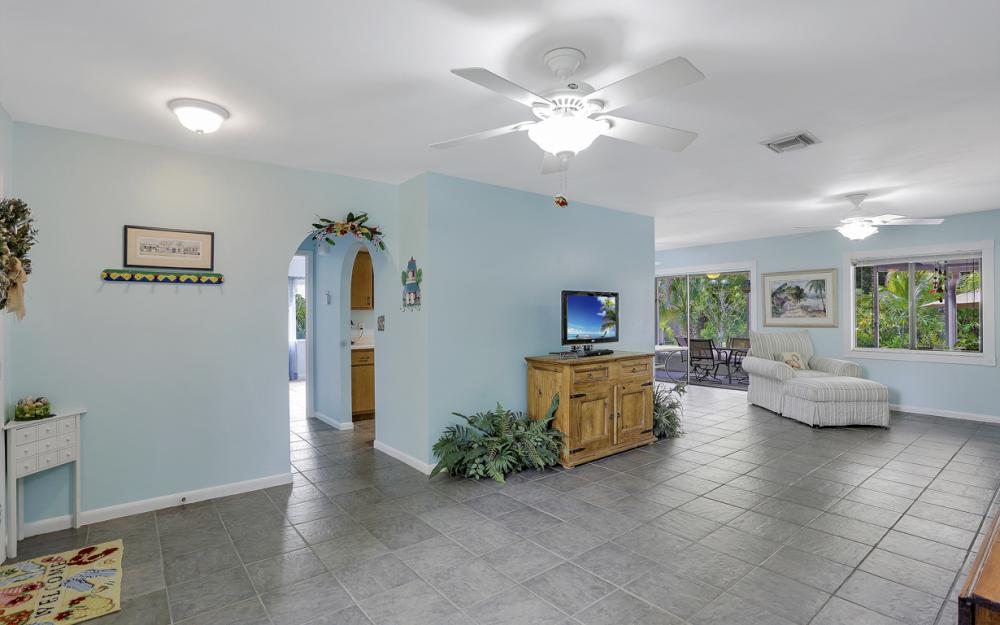25588 Stillwell Pkwy, Bonita Springs - Home For Sale 2128328255