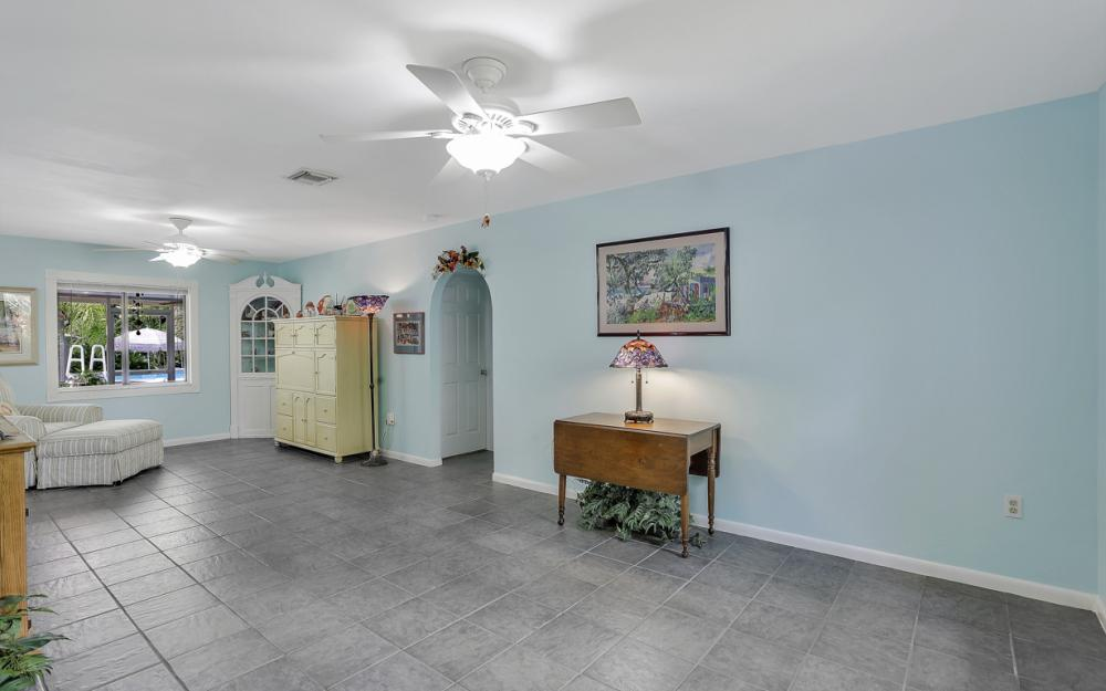 25588 Stillwell Pkwy, Bonita Springs - Home For Sale 24660777