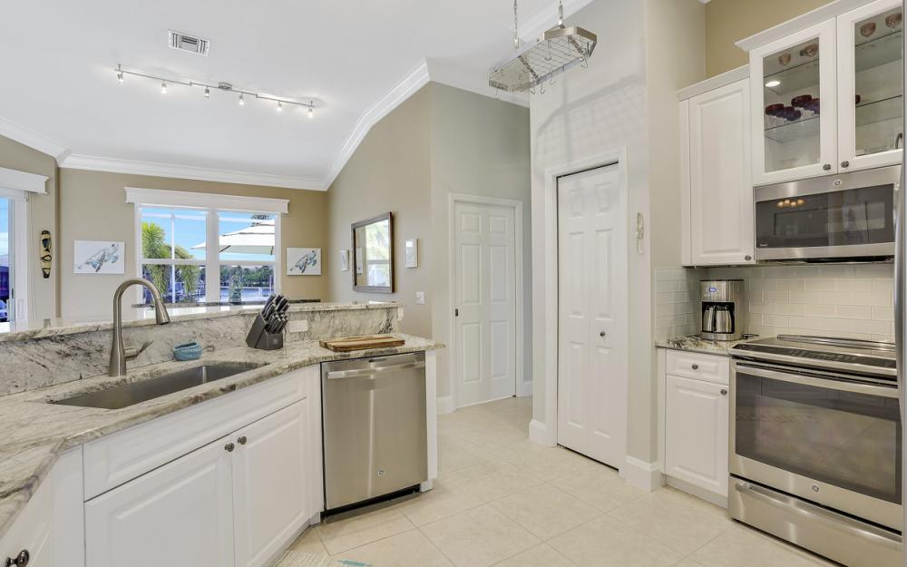 880 S Joy Cir, Marco Island - Vacation Rental 1289001917
