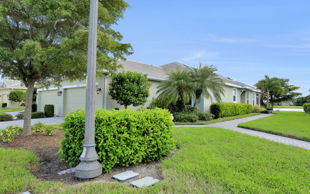 2656 Anguilla Dr, Cape Coral - Home For Sale 1897241277
