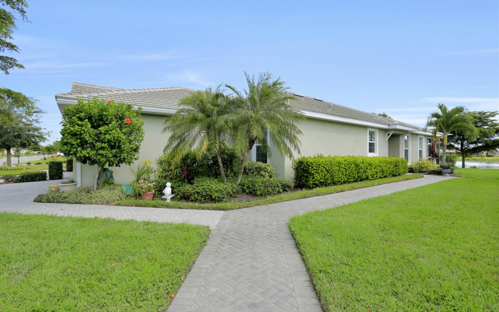 2656 Anguilla Dr, Cape Coral - Home For Sale 760061926