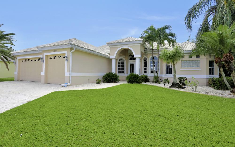 2204 El Dorado Pkwy W, Cape Coral - Home For Sale 596734790