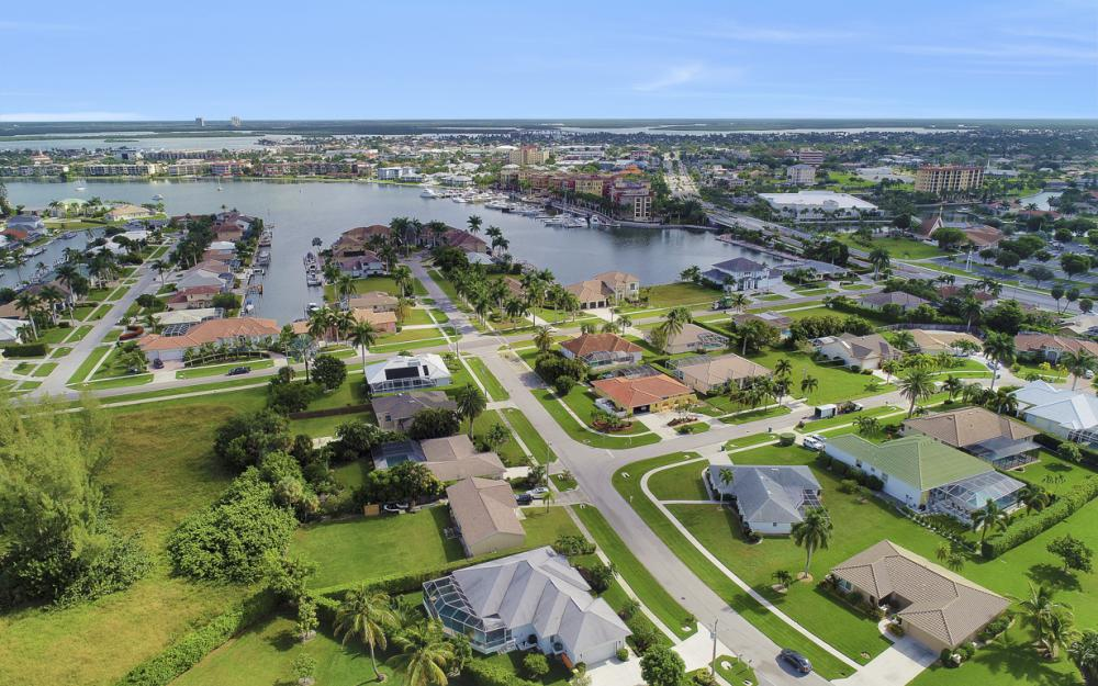552 Century Dr, Marco Island - Home For Sale 1955500831