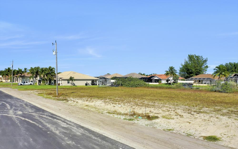 235 NW 38th Ave, Cape Coral - Lot For Sale 9937223
