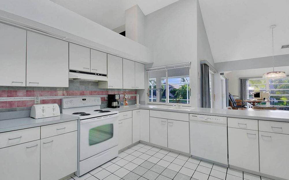 5300 SW 8th Ct, Cape Coral - House For Sale 894928947
