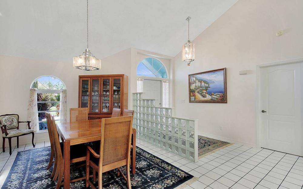 5300 SW 8th Ct, Cape Coral - House For Sale 377761939
