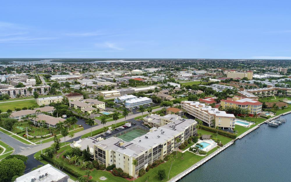 838 W Elkcam Cir #201, Marco Island - Condo For Sale 563036839