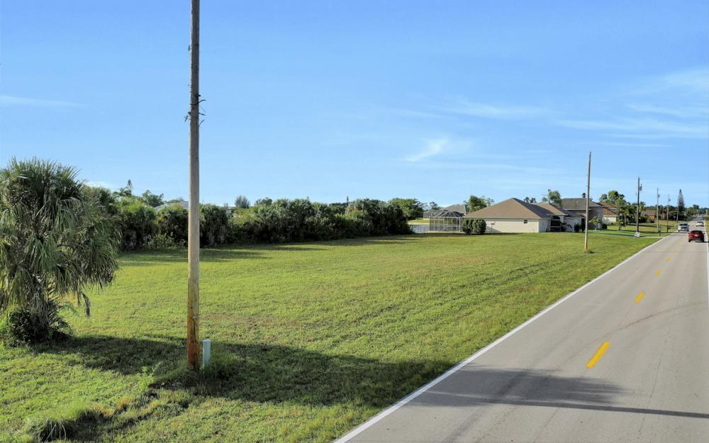 1722 NE 24th Ave, Cape Coral - Lot For Sale 290498754