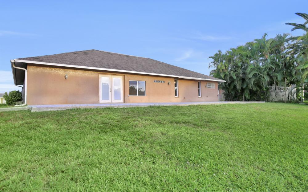 26 SE 23rd Pl, Cape Coral - Home For Sale 2106818115