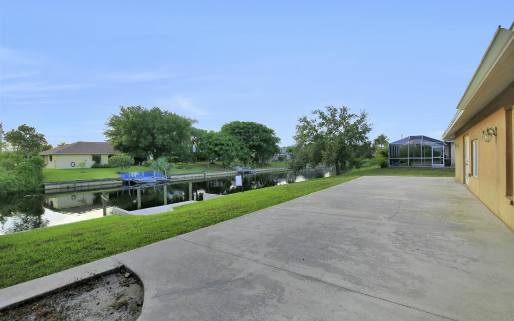26 SE 23rd Pl, Cape Coral - Home For Sale 988238814