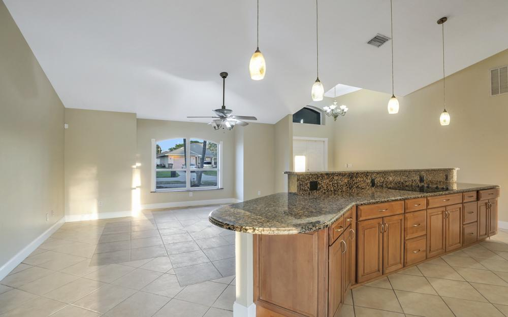 26 SE 23rd Pl, Cape Coral - Home For Sale 278405185