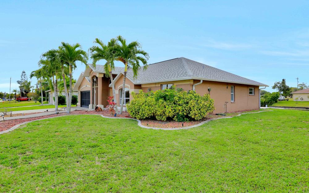 26 SE 23rd Pl, Cape Coral - Home For Sale 1854177387