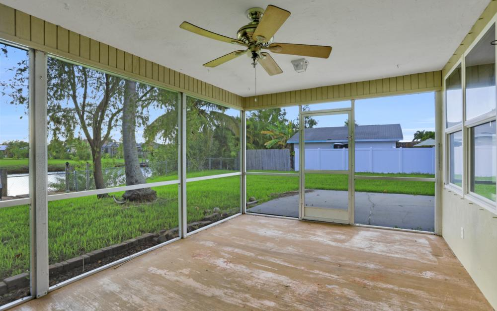 2129 St Croix Ave, Fort Myers - Home For Sale 1002048968