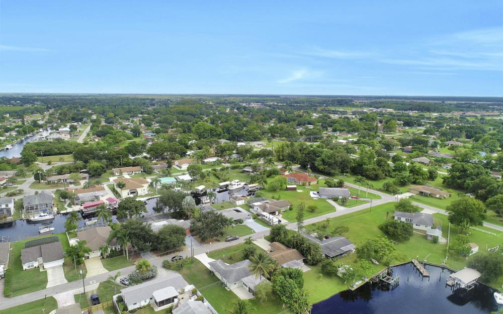 2129 St Croix Ave, Fort Myers - Home For Sale 345627278