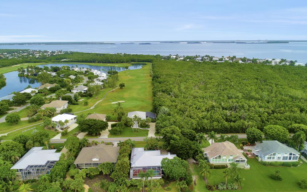 1589 Sand Castle Rd, Sanibel - Home For Sale 2087170145