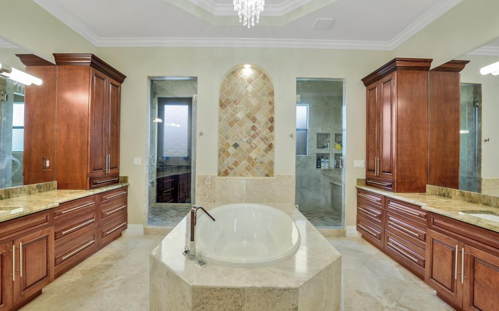 140 SW 58th St, Cape Coral - Luxury Home For Sale 1281772589