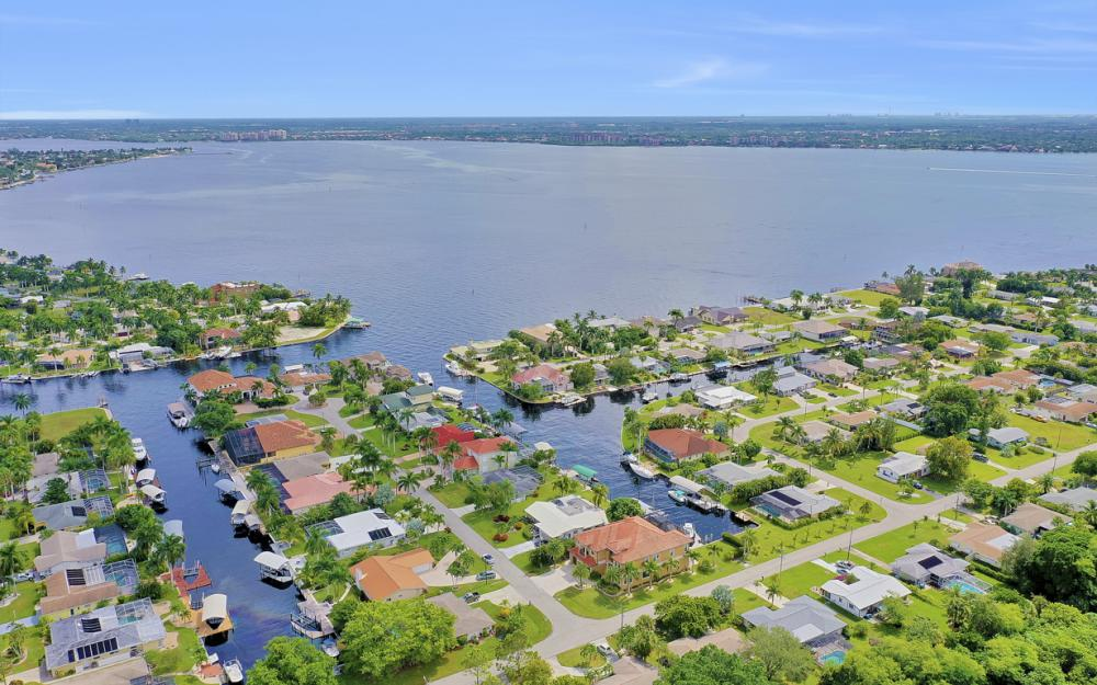 140 SW 58th St, Cape Coral - Luxury Home For Sale 437031896