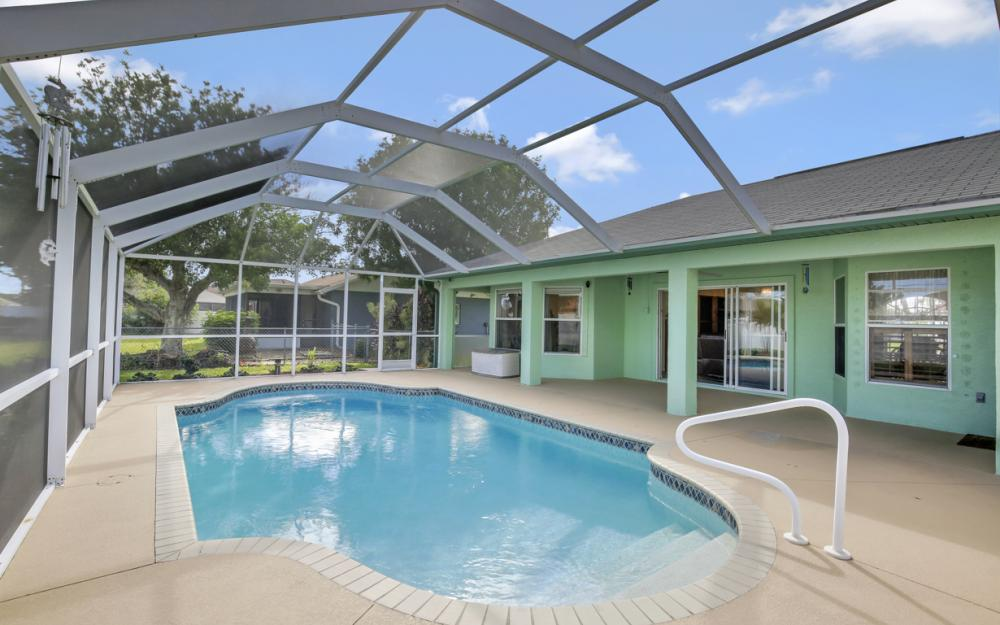 2007 SE 9th Ter, Cape Coral - Home For Sale 617305982