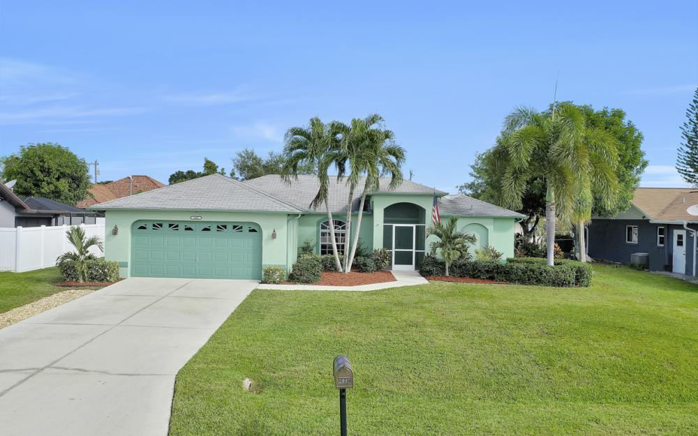 2007 SE 9th Ter, Cape Coral - Home For Sale 171218179